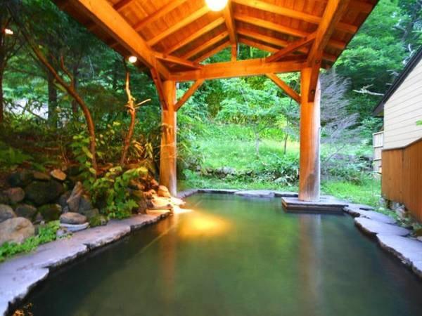 女性専用露天風呂「石南花の湯」