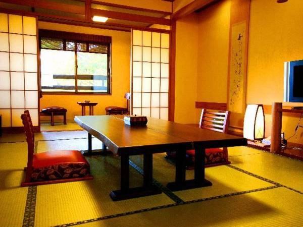 別館和室(12畳+檜風呂)