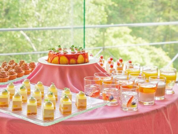 【約70種ビュッフェ/例】女性やお子様に人気のパティシエ特製デザートも充実