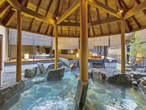 【昼神グランドホテル天心】【期間限定!最大5特典付きプランに注目】部屋、お風呂、食事会場など、館内全体からあふれるおもてなしと寛ぎの空間を堪能。名湯昼神温泉に佇むグランドホテル