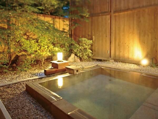 【森の隠れ宿 たてしな薫風】源泉かけ流しのお風呂と地の食材を生かしたお料理、高原の木立に囲まれた静かな隠れ宿でおくつろぎください。