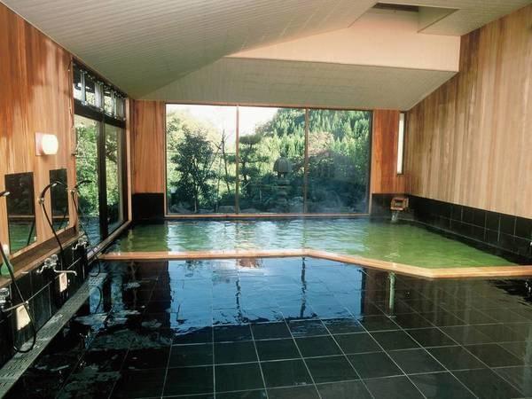 【一水荘】緑色の名湯が注ぐ貸切露天風呂は宿泊者1回無料(45分)※チェックイン時に予約