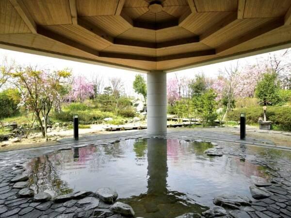 【ホテル ざぶーん】地下1,100mから湧き出す温泉を8種の多彩な湯船で堪能!