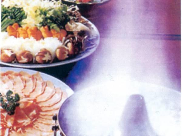【夕食/例】新潟の銘酒・八海山を使用した豚しゃぶ「幻想鍋」
