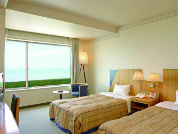 【海側洋室/例】日本海を一望!コンパクトなツインルーム