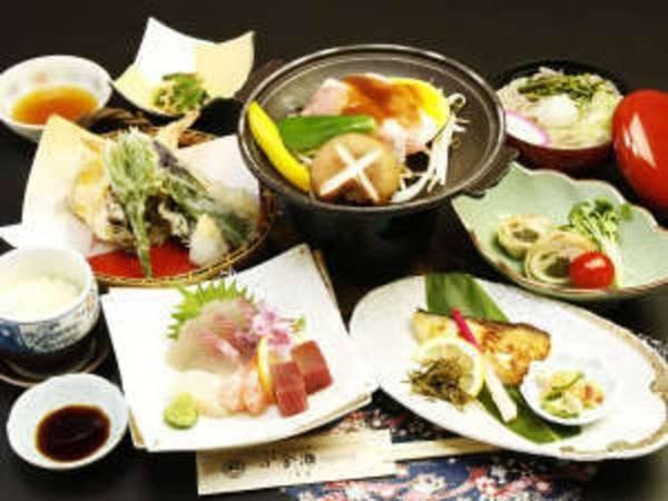 「ブナの舞御膳」※お料理の内容は時期によって異なります。