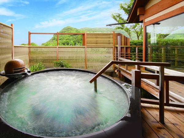【海眺めの露天風呂 風の章】開放的な露天ジャグジー石風呂