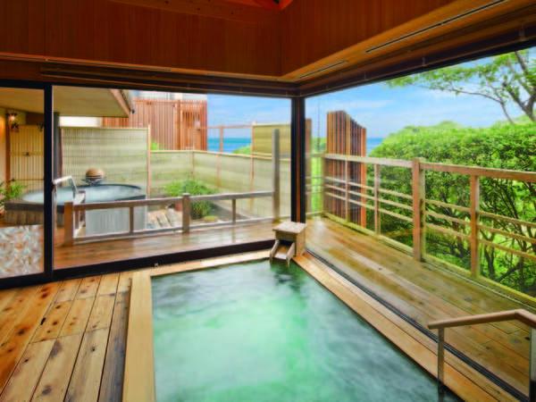 【海眺めの露天風呂 風の章】効能豊かな温泉が注ぐ温泉檜風呂