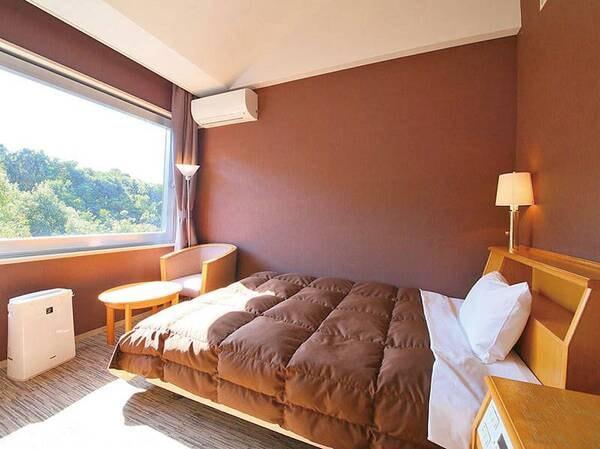 【ダブルベッドルーム/例】ベッド幅140センチのゆったりダブルルーム