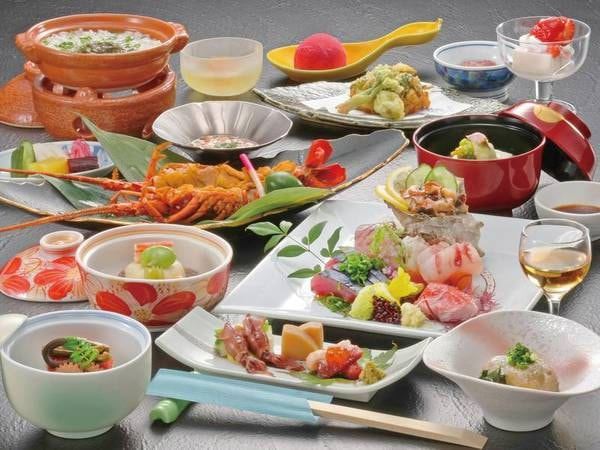 【夕食一例(伊勢海老雲丹焼き選択時)】一品ごとに出来立ての美味しさをご堪能下さい
