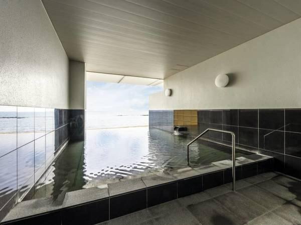 【湯の浜ホテル】露天風呂と大浴場で泉質の異なる湯を雄大な海景色とともにお楽しみください