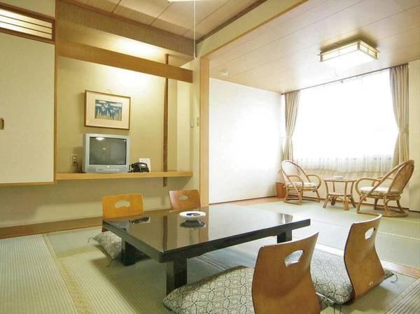 【和室12畳/例】古風な和室
