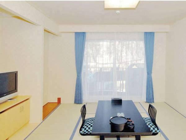【オホーツク海眺望の和室(8畳)/例】清潔感ある畳のお部屋でゆっくりお寛ぎ下さい
