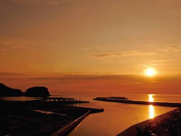 【眺望/例】美しく染まるオホーツク海