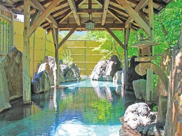 【層雲閣グランドホテル】【大正12年創業】豊富な湯量を誇るやわらかな天然温泉が自慢!層雲峡の豊かな自然の中に建つ老舗ホテル