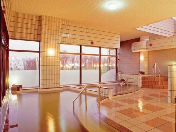 【ホテルグリーンパークしんとつかわ】宿泊者専用かけ流し展望風呂が人気 自慢の夕食は新十津川の味覚がたっぷり!