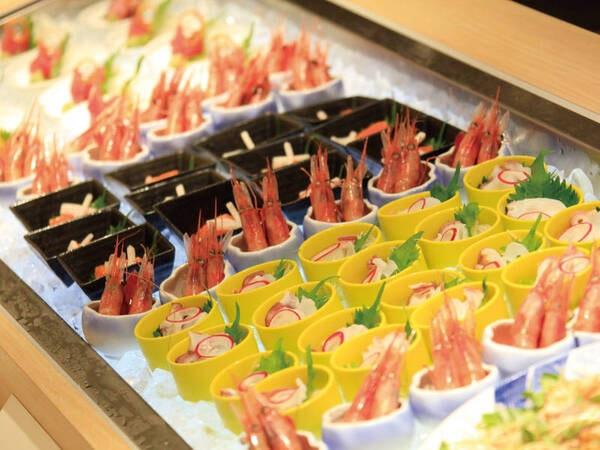 【蟹食べ放題&地場食材バイキング/例】会場は「グリーンテラス」にて小鉢でのバイキング