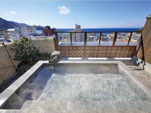 【IRORIダイニング ゆとりろ西伊豆】露天風呂付客室がおすすめ★ロビーに設えたIRORI(囲炉裏)がスタイリッシュな時を演出する和モダン旅館。極上の美食ステイを愉しむ