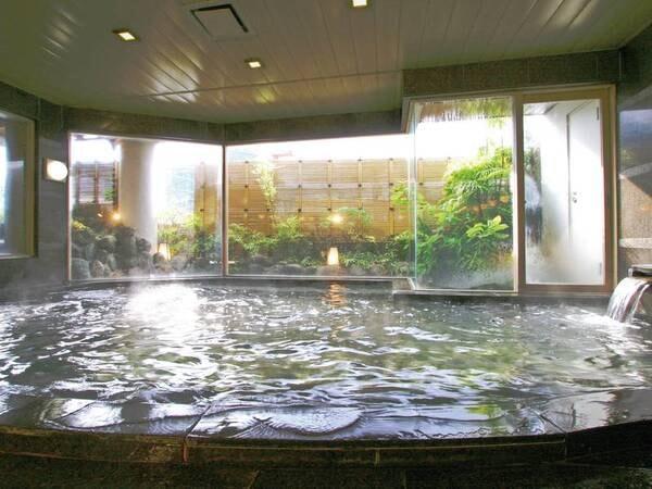 【大浴場】ゆっくりと自家源泉の湯につかった後はお肌もしっとり