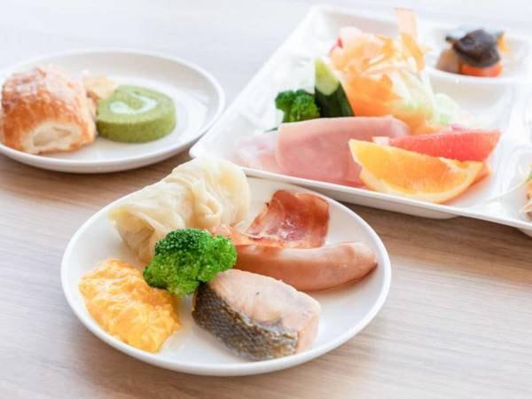 【朝食/例】レストランにて『和洋フルバイキングスタイル』でのご用意
