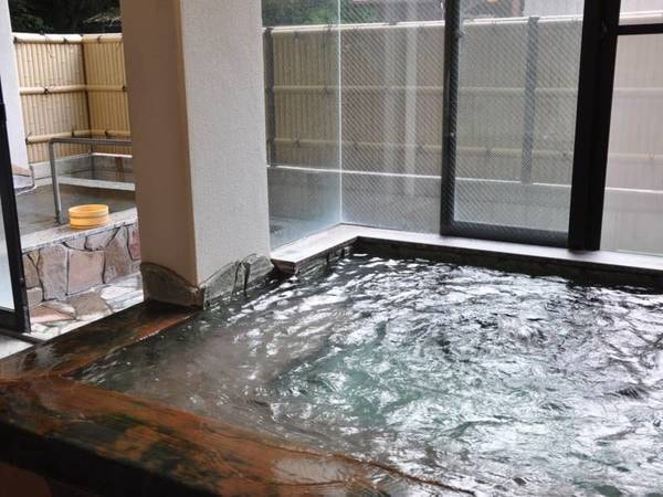 【大浴場】湯の花が浮く名湯を満喫