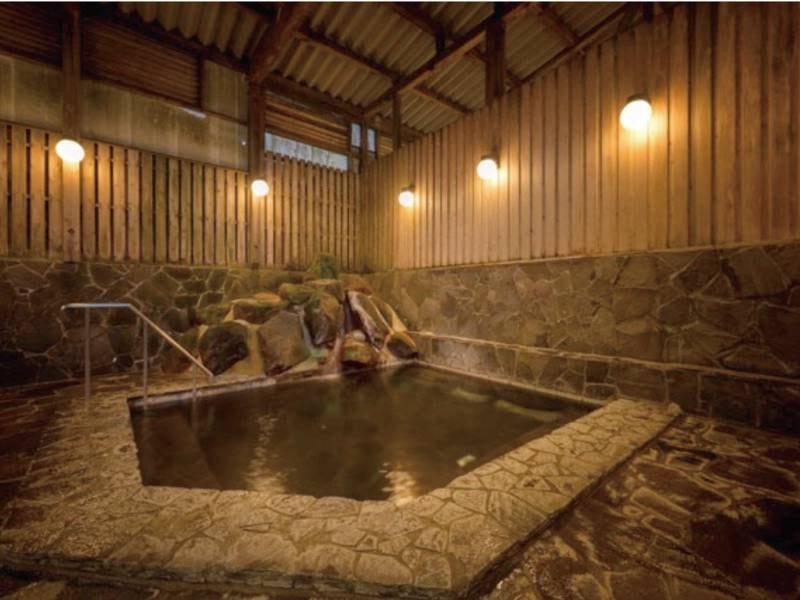 【岩風呂】※感染予防対策のため無料貸切風呂としてご利用ください