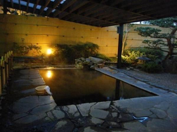 【ホテルニューあらお】東鳴子温泉神社付近に、仙台藩や岩出山城主の遊楽地として御殿が造られました。
