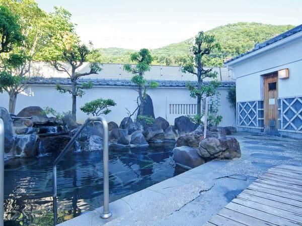 【甲州湯村温泉 柳屋】全室から四季折々の姿を現す庭園が眺望可能!多種多様な湯船で由緒ある名湯が楽しめる。