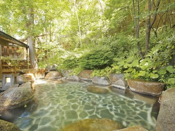 【たてしな藍】蓼科高原の林の中に佇む、藍染と山味懐石料理の宿