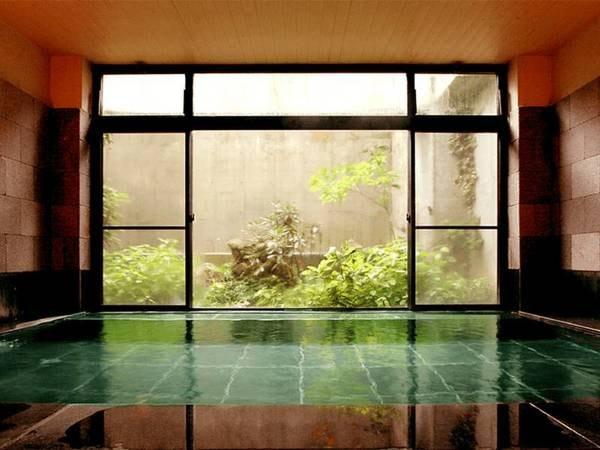 【白馬西洋館扇屋】天然温泉は「美人の湯」とも言われ、お肌つるつるで女性に人気!