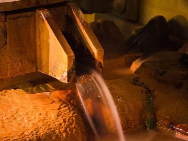 【国民宿舎 松代荘】歴史深い長野の奥座敷松代荘、黄金色の自家源泉かけ流しが自慢のお宿