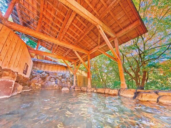 【湯快リゾート 山中グランドホテル】< 7/1より待望のバイキングが「安心」をテーマに復活!>静かな緑に囲まれた加水なしの天然温泉。種類豊富な和洋中バイキングでは季節に合わせたフェアも開催!
