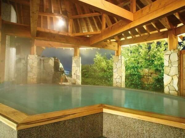 【湯快リゾート NEW MARUYAホテル】< 7/10より待望のバイキングが「安心」をテーマに復活!>七色の湖「柴山潟」が一望できる露天風呂。キャンドルづくりなど体験メニューが豊富な宿(体験メニューは有料)