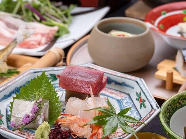 【箱根会席/例】旬の食材や盛り付けにもこだわった和食会席をお楽しみください。