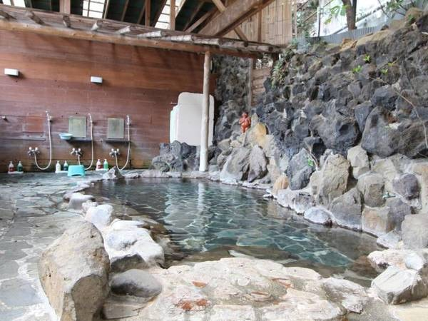 【箱根湯本温泉 かっぱ天国】タイムスリップしたようなノスタルジックな雰囲気の湯宿。箱根湯本駅の裏すぐ!