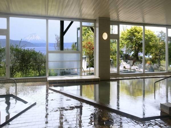 【洞爺湖温泉 洞爺観光ホテル】洞爺湖一望の大浴場が人気!清らかな水をたたえる洞爺湖に癒される格別のひと時