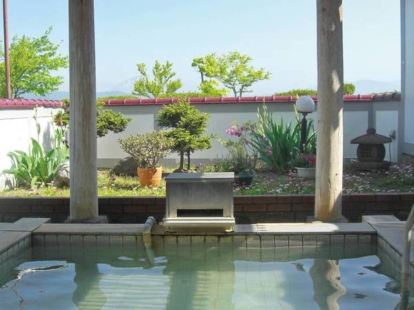 庭園露天風呂(夏)