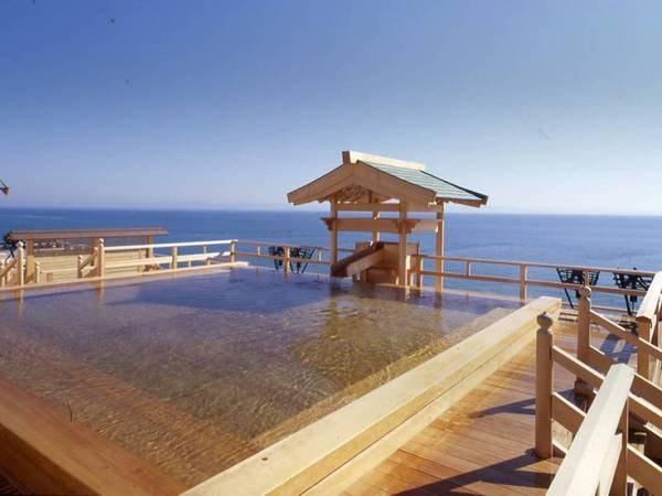 【和風旅館 粛 海風】お湯と味覚とくつろぎの殿堂。 静かに広がる南知多の海に抱かれるように建つ国際観光旅館、 海風の熟成されたくつろぎの時間と人をもてなす心づくしです。