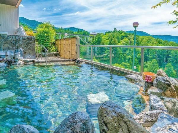 飛騨の山を望む温泉(露天風呂:男性)
