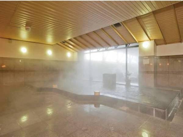 【内湯】広々とした空間で、ゆったりとお寛ぎいただけます。※内湯は温泉ではありません。