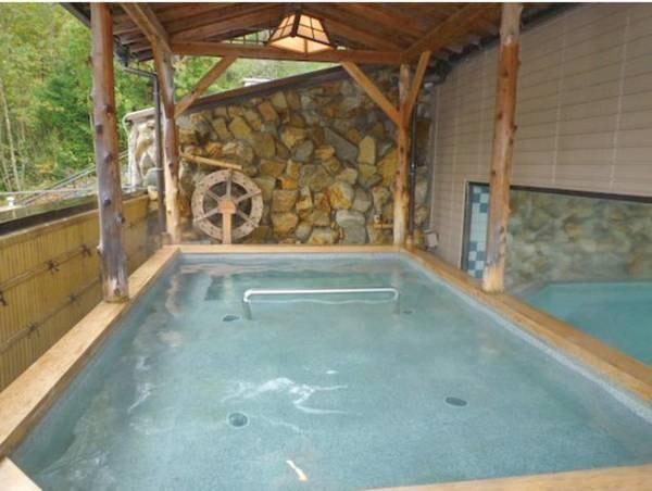 【あさひ荘 <岐阜県>】のどかな山間に建つ閑静な宿。旅情豊かな山里のいで湯で、安らぎのひとときをお過ごしください。