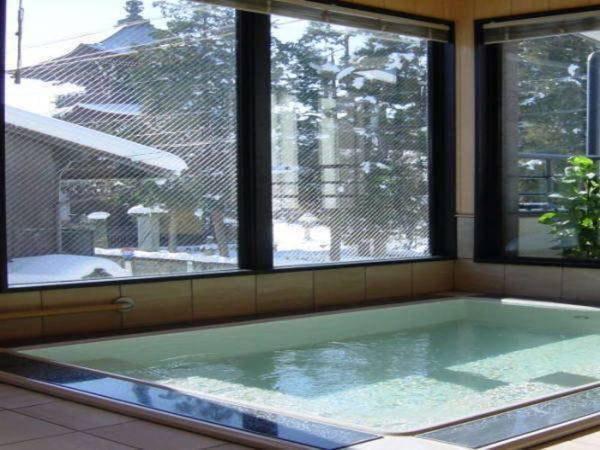 【飛騨高山温泉 民宿 桑谷屋】民宿ならではのコストパフォーマンスでお得に宿泊。家庭的な雰囲気の老舗民宿で落ち着いた時間をお楽しみください。