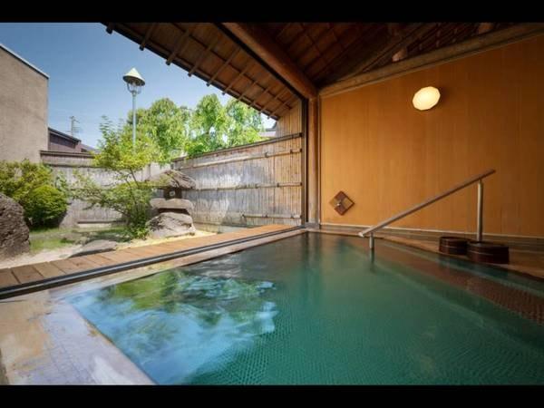 【赤湯温泉 森の湯】心地いいおもてなしと静寂の時間に包まれるプライベートな空間