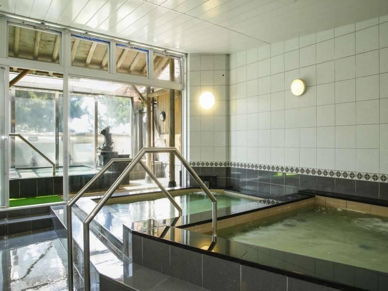 【大浴場(内風呂)】うずしお温泉はヒドロ炭酸・ナトリウムなどを主成分とする温泉