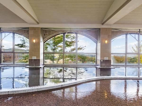 【ホテル森の風鶯宿】岩手県雫石の自然に囲まれ、日常からの解放と快適さを兼ね備えた本格温泉ホテル。