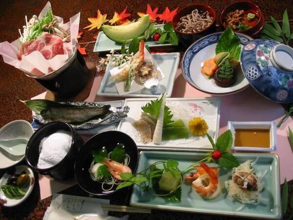 山里会席風料理+福一丸での昼食/一例