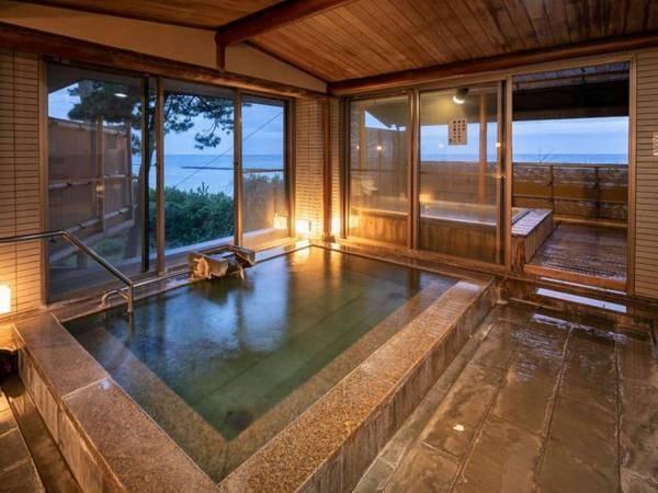 【河津温泉郷 海遊亭】全室海に面したオーシャンフロントです。全てのお部屋やお食事処、お風呂から海の近さを感じられます。