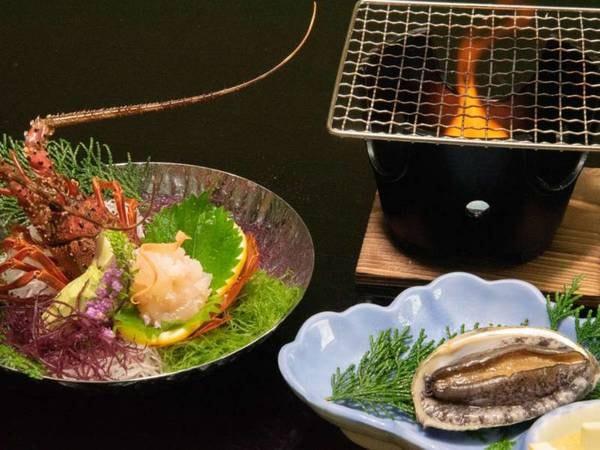夕食一例(伊勢エビ&アワビ両方付き)