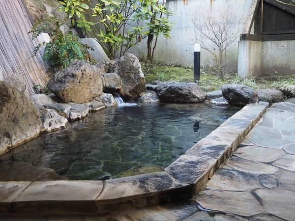 【旅館まるや】5代目社長が作る創作料理は旬の野菜や魚を利用してボリュームもあり全てお部屋で頂けます。お風呂は2名から貸切利用可能。