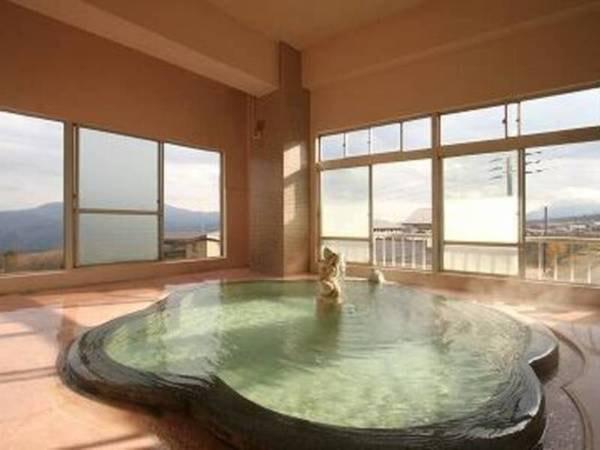 【スキーデモンストレーター金子裕之の宿、ホテル金甚】オーナーは基礎スキー界の大ベテラン「金子裕之」。家族だけで経営する小さなホテルなのでお客様ひとりひとりと触れ合う温かいおもてなしが自慢です